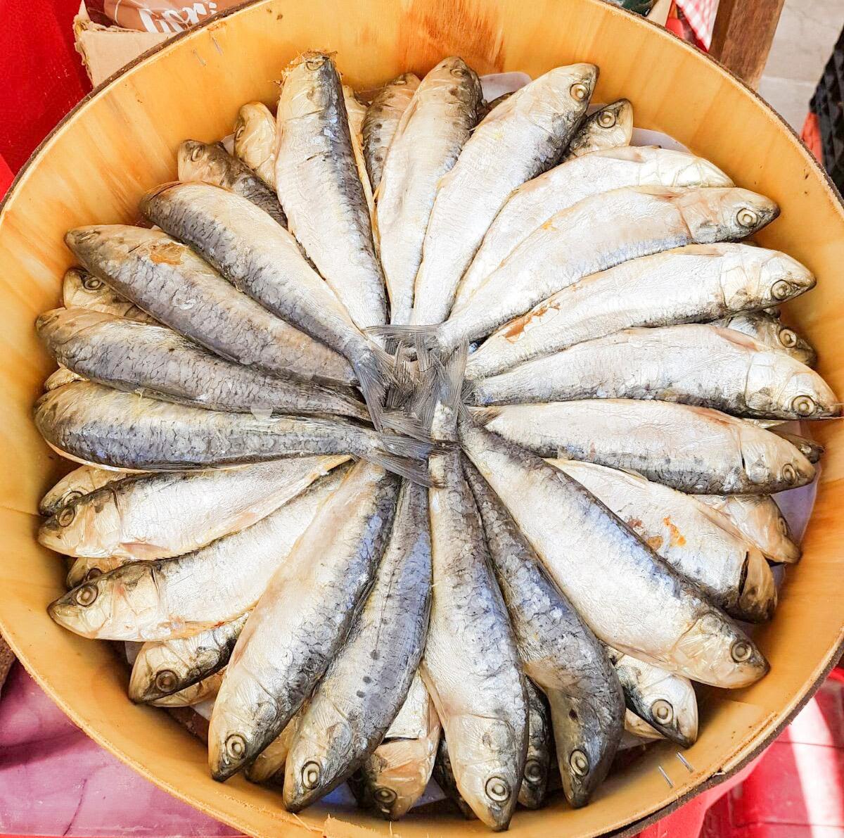 Tapas essen in Spanien: Sardellen