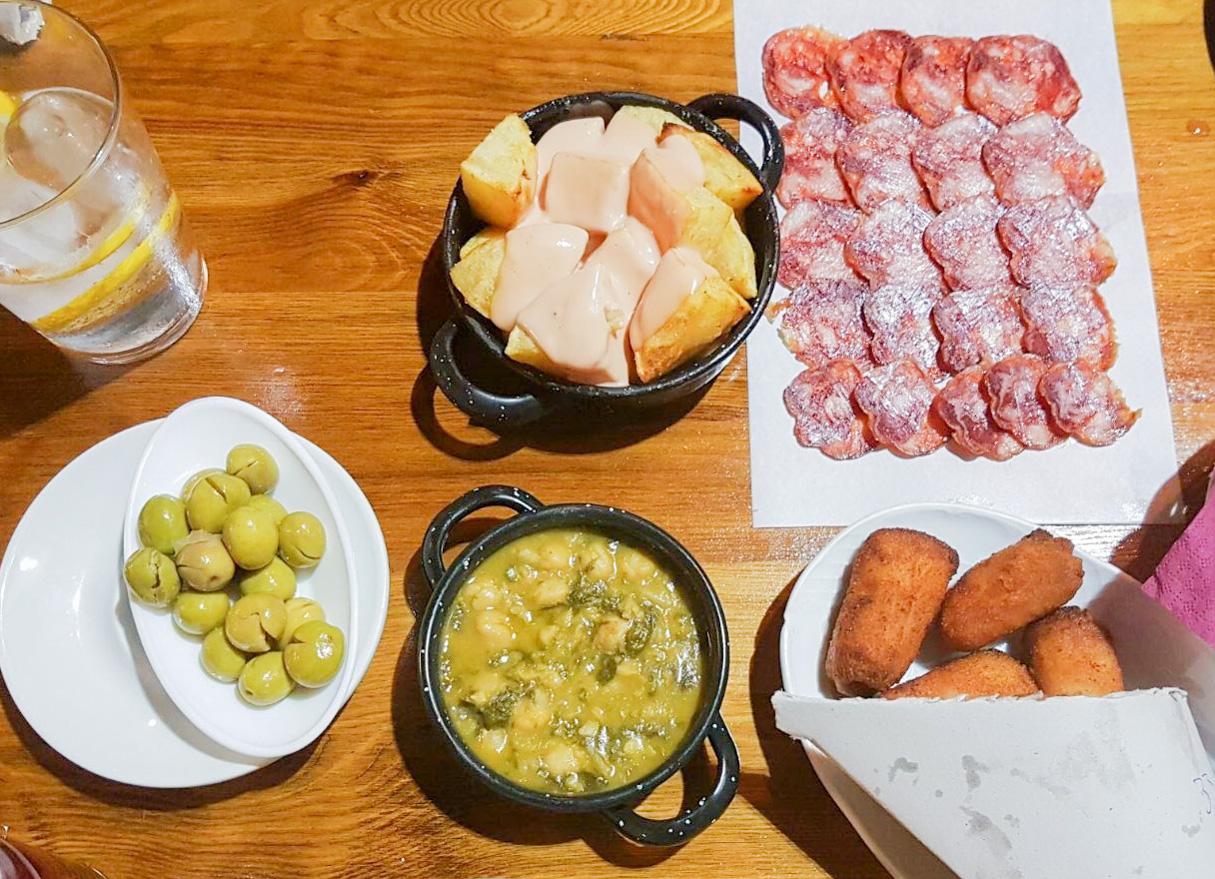 Tapas essen in Spanien
