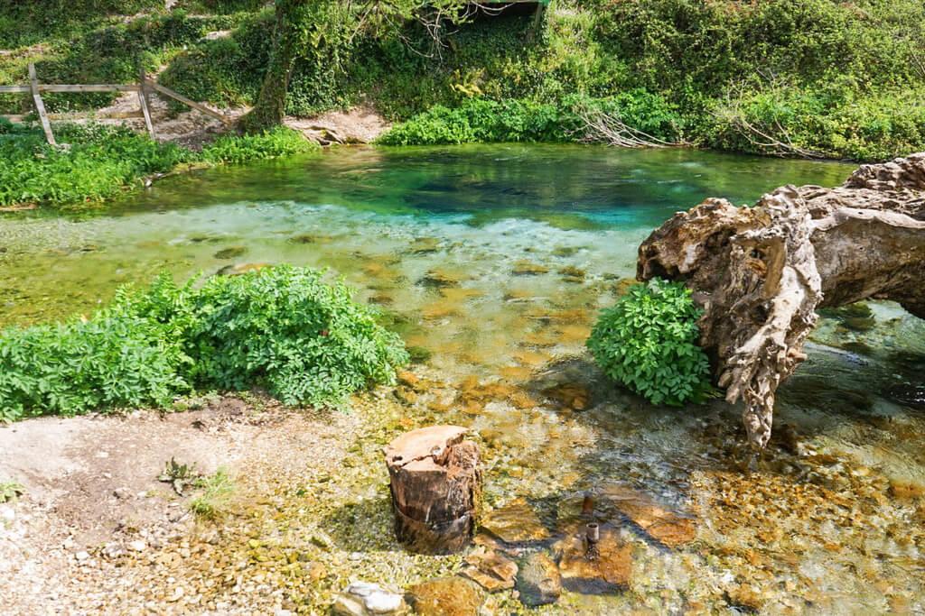 - Blue Eye Quelle Syri i Kaster, Albanien