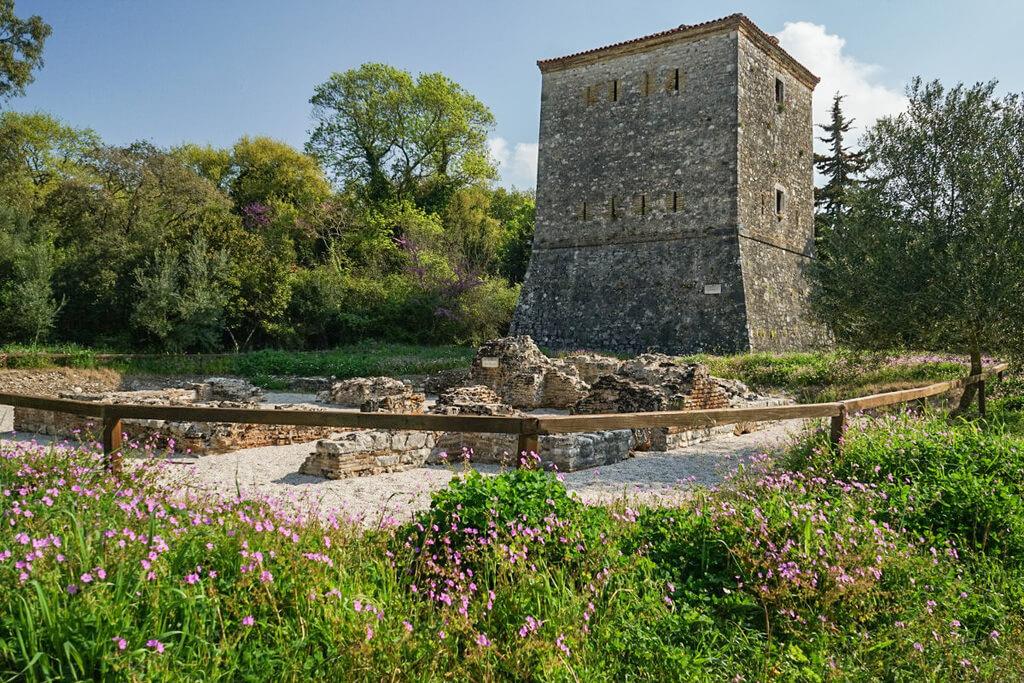 Steinturm, Ruinenstadt Butrint Albanien Reisen