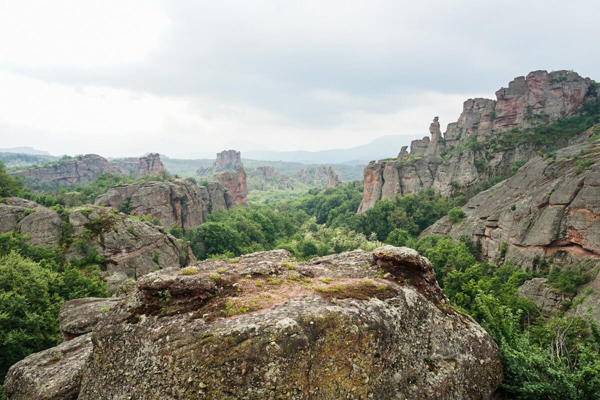 Aussicht in Felsgebirge bei Belogradtschik, Bulgarien besuchen