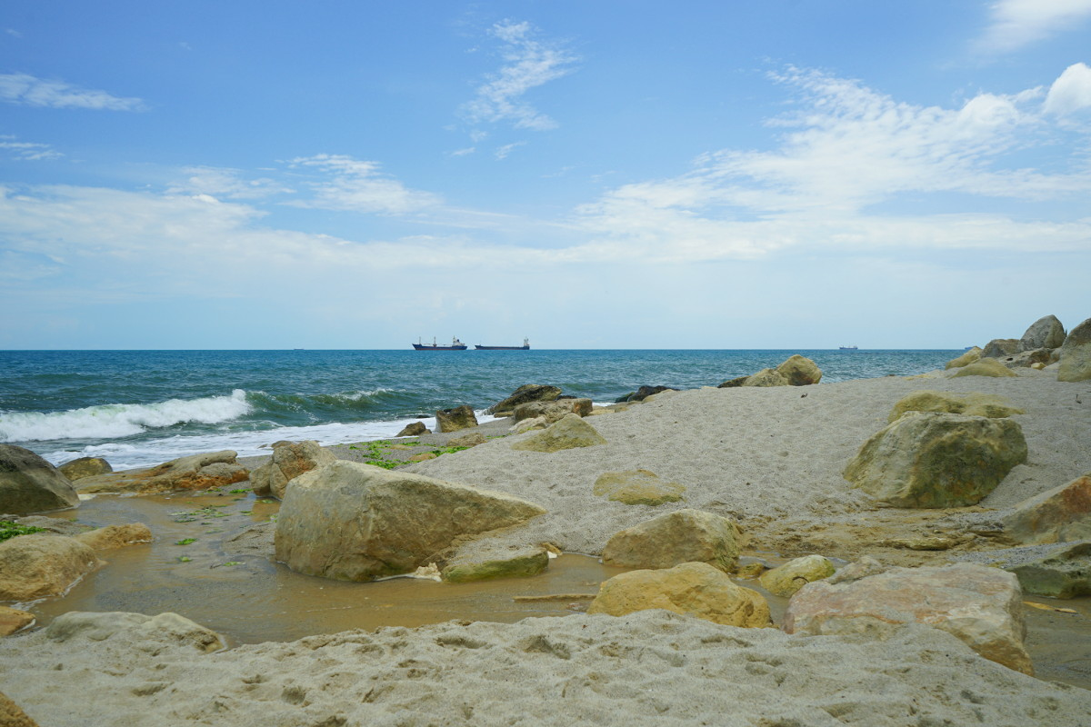 Galata Beach mit kleinem Fluss
