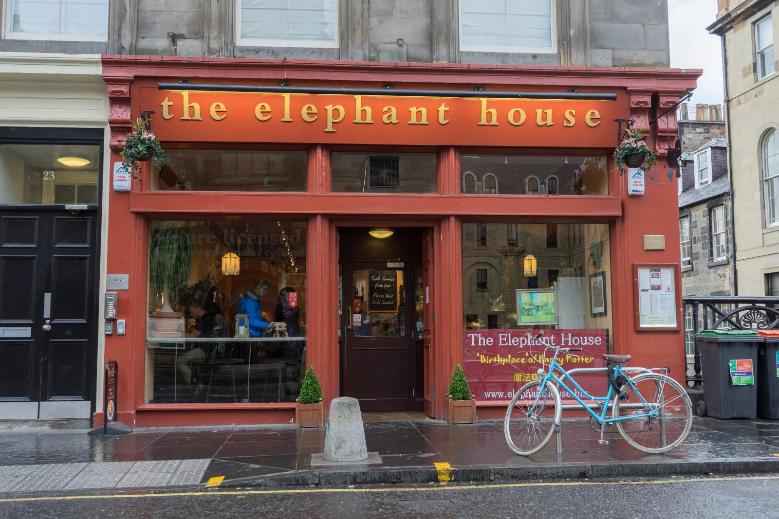 rotes Lokal Elephant House von aussen