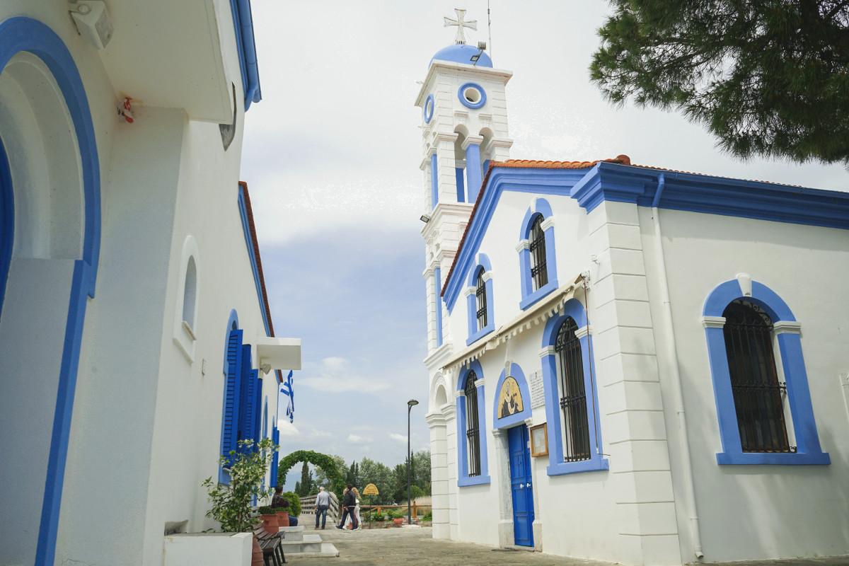 weiss blaue Kirche