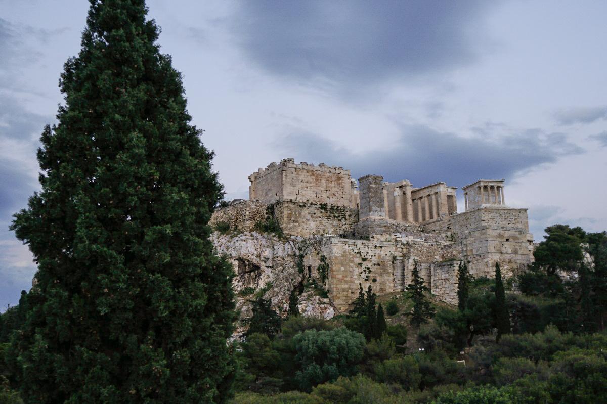 Eindunkeln, Akropolis auf Hügel, Sehenswürdigkeiten Athen