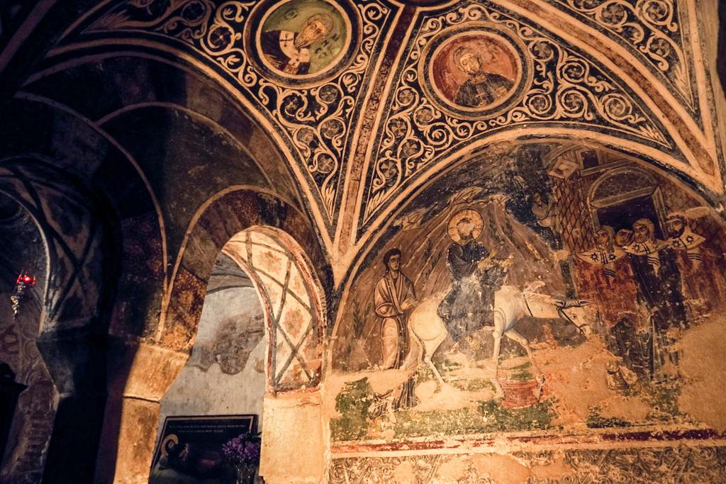 Fresken mit Esel der gebückt geht, Hosios Loukas