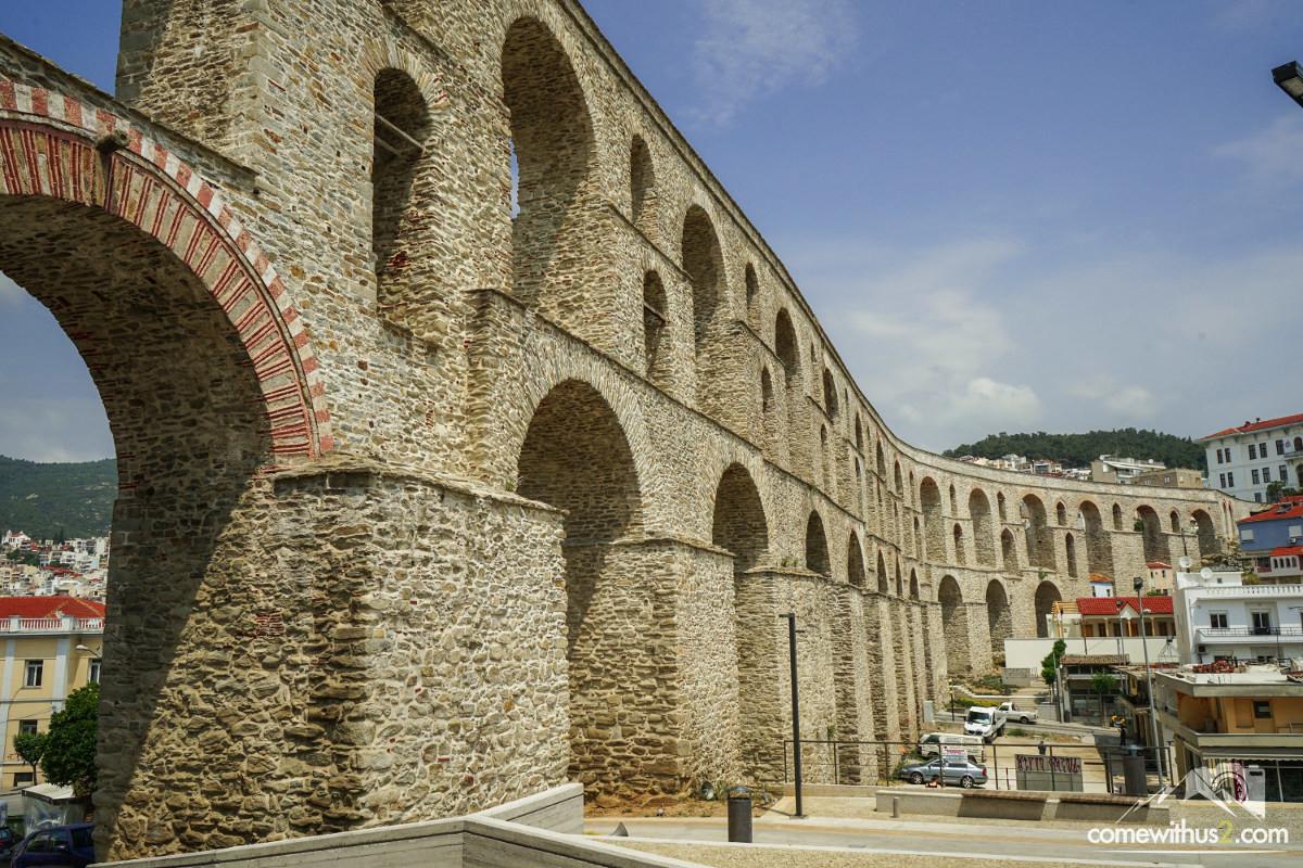 Zweistöckiges Aquädukt - sieht aus wie neu - Sehenswürdigkeiten Kavala