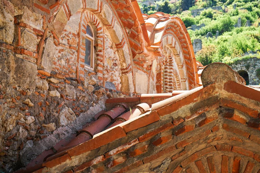 Fenster mit steinernen Bögen, Mystras, Griechenland, Peloponnes