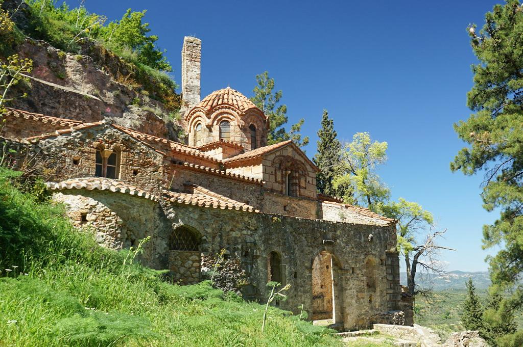 Kloster in Hang gebaut, Mystras besichtigen