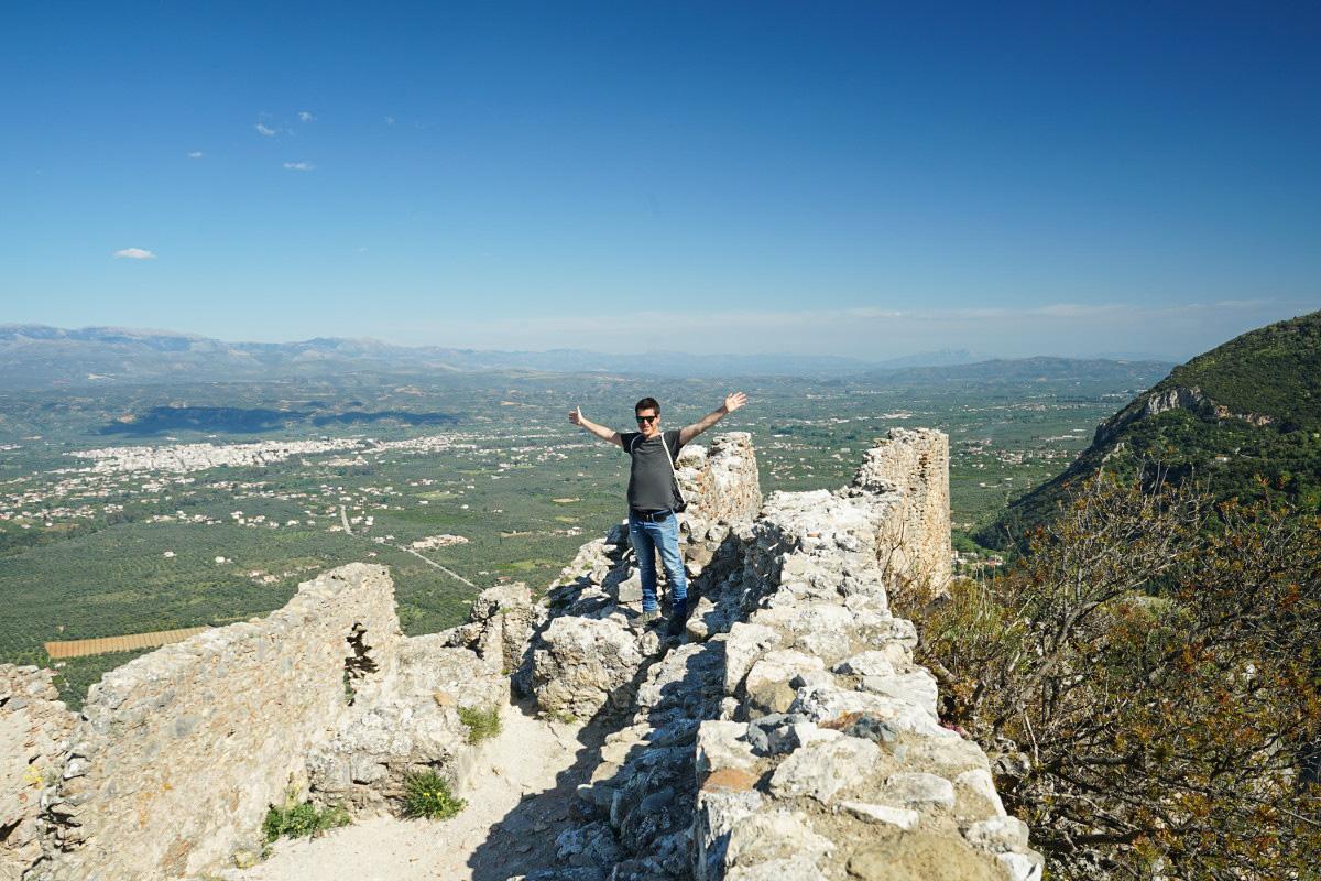 Lui auf Burgmauern, Aussicht, Weite, Ebene, Mystras