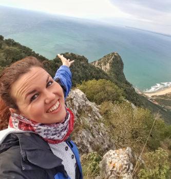 Ausblick vom Berg auf Meer, Strand, Lagunen - Rundreise Italien