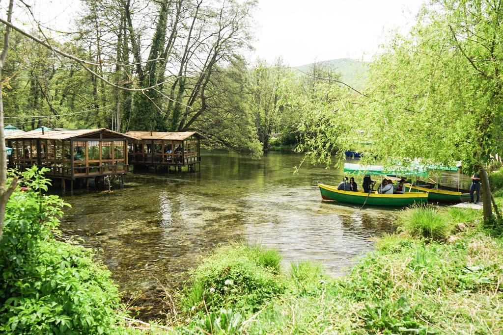Sveti Naum ist mehr als ein Kloster - es gibt Restaurants oder du kannst Bootstouren machen - Mazedonien entdecken