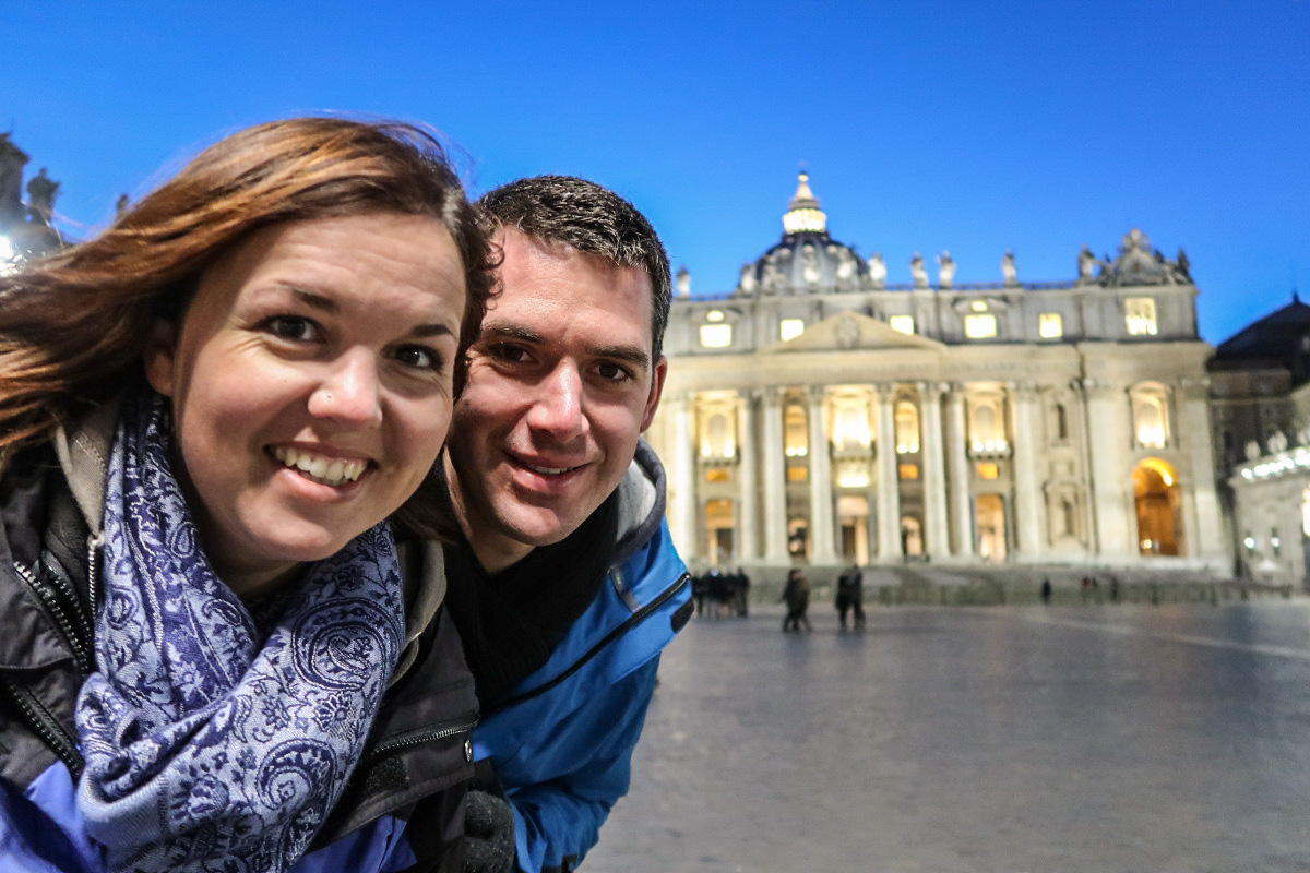 Selfie vor St. Petersdom - Sehenswürdigkeiten Vatikan
