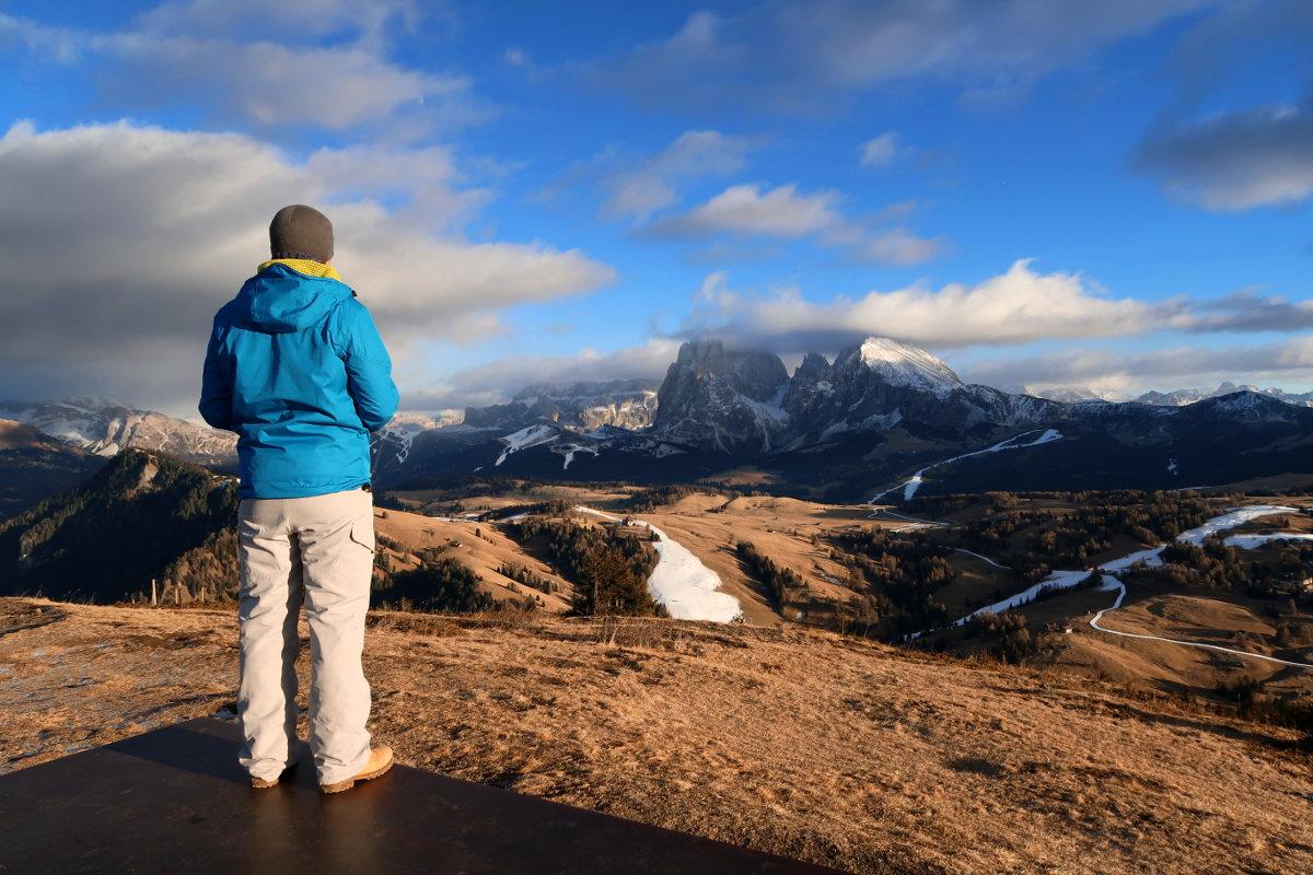 Lui schaut in Berge - Südtirol, Seiser Alm