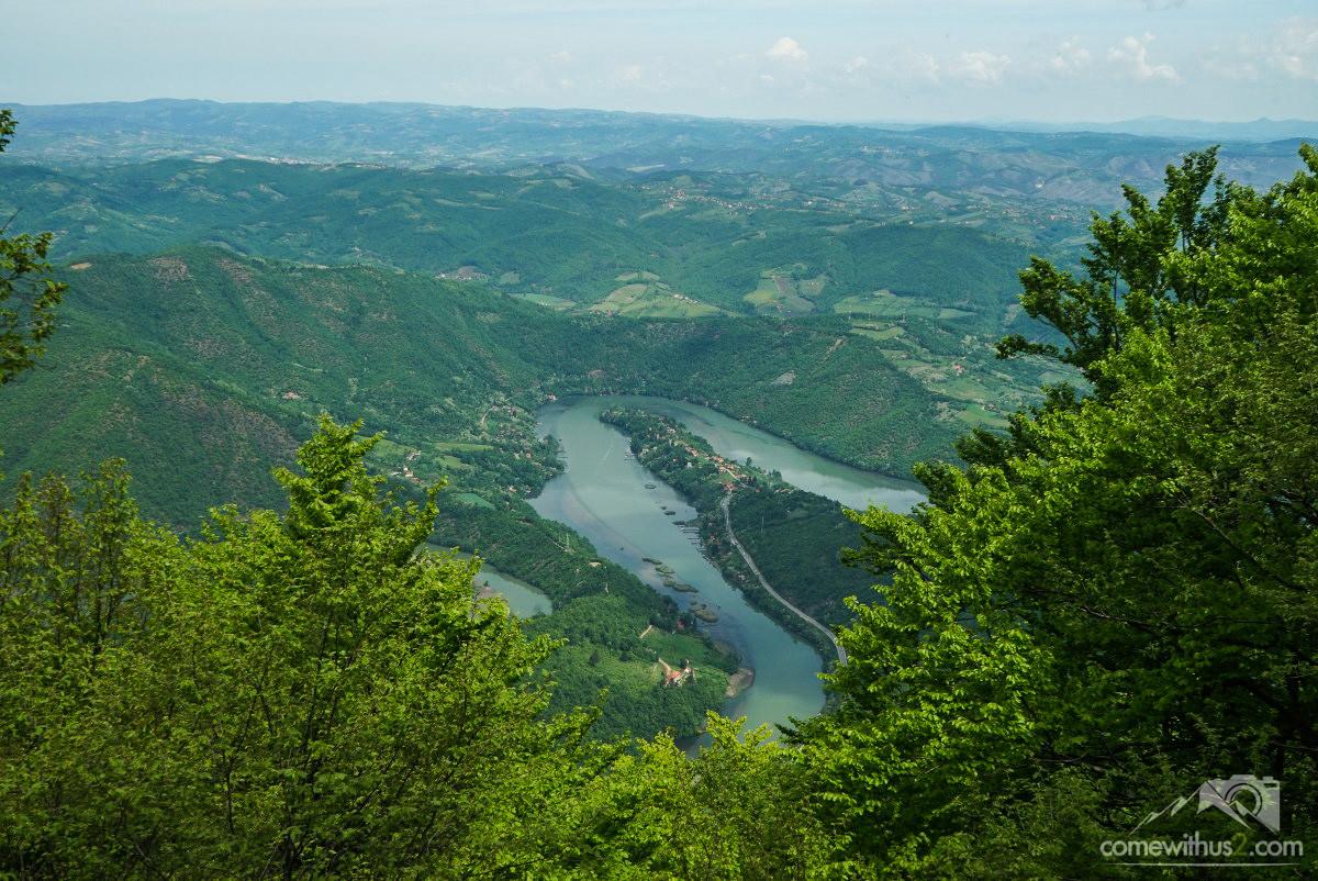 Flusswindungen, Weite, Serbien
