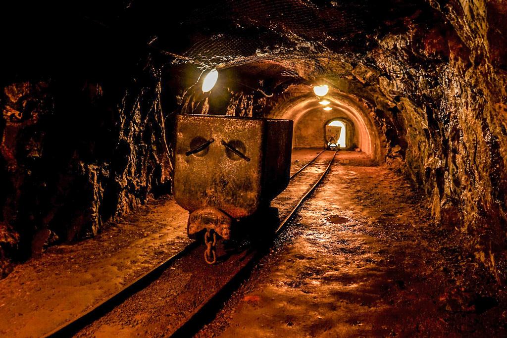 Banska Stivanica Stollen Erzsteinhöhle