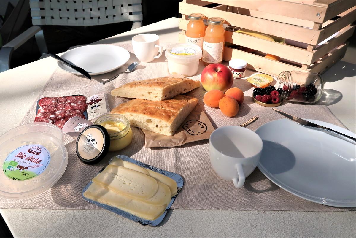 Da lacht das Herz des Frühstück-Liebhabers: Frische regionale Produkte frei Haus.