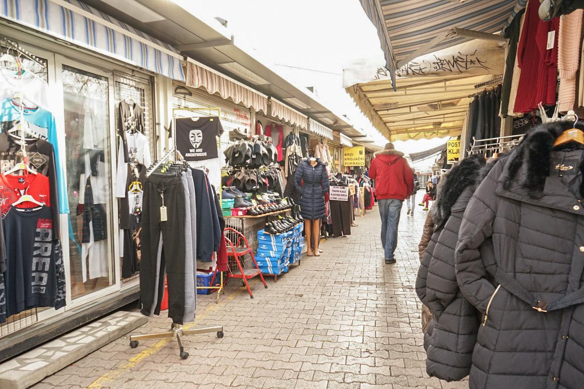 Gasse mit Geschäften auf beide Seiten - Sehenswürdigkeiten Split