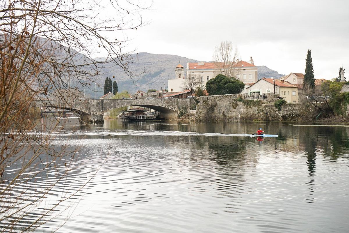 Fluss, STeinbrücke