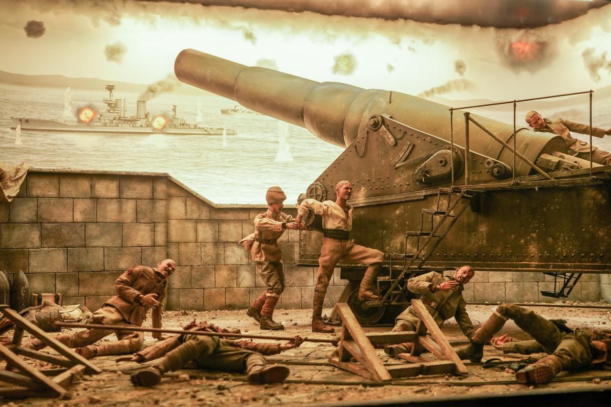 Die entscheidende Patrone wird per Hand in die Kanone geladen - Kriegsmusem auf Gallipoli