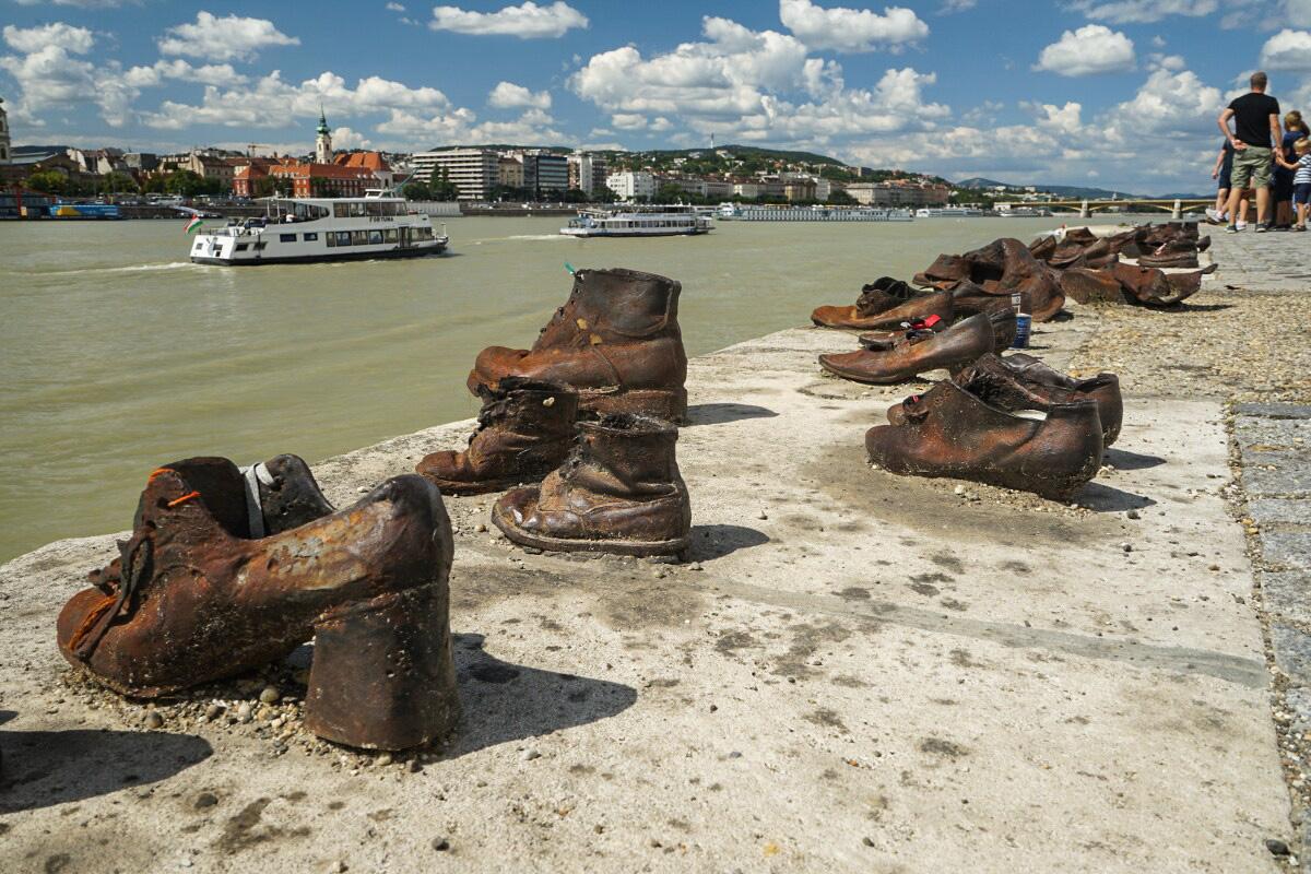 Denkmal Budapest: Schuhe an der Donau
