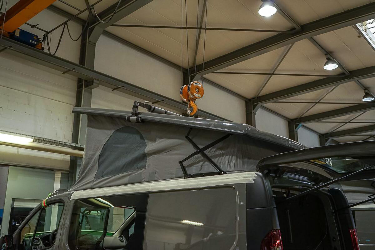 Kompanja Campervan: Installation Aufstelldach