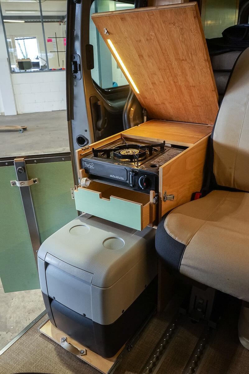 Kompanja der perfekte Mini-Camper: Küchenblock