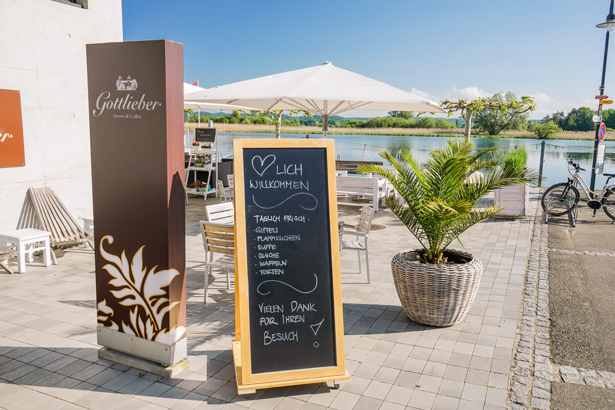 Gottlieber Seecafe in Gottlieben mit Gartenterasse am Wasser
