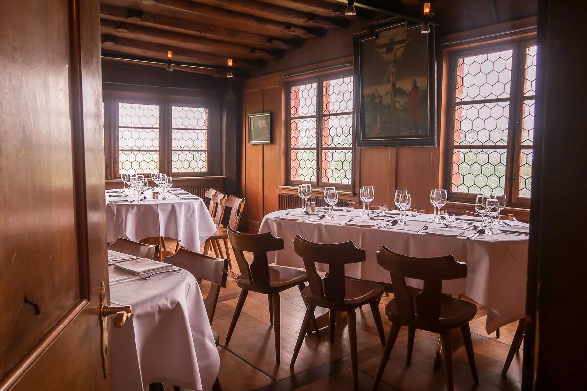Antiker Saal zur Miete mit Catering: Wasserschloss Hagenwil