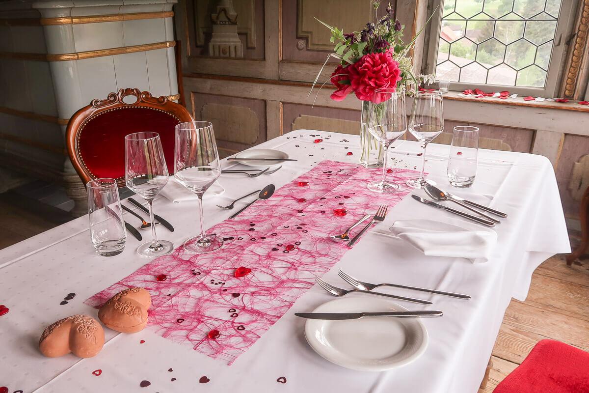 Romantisches Dinner zu zweit im Thurgau: Wasserschloss Hagenwil
