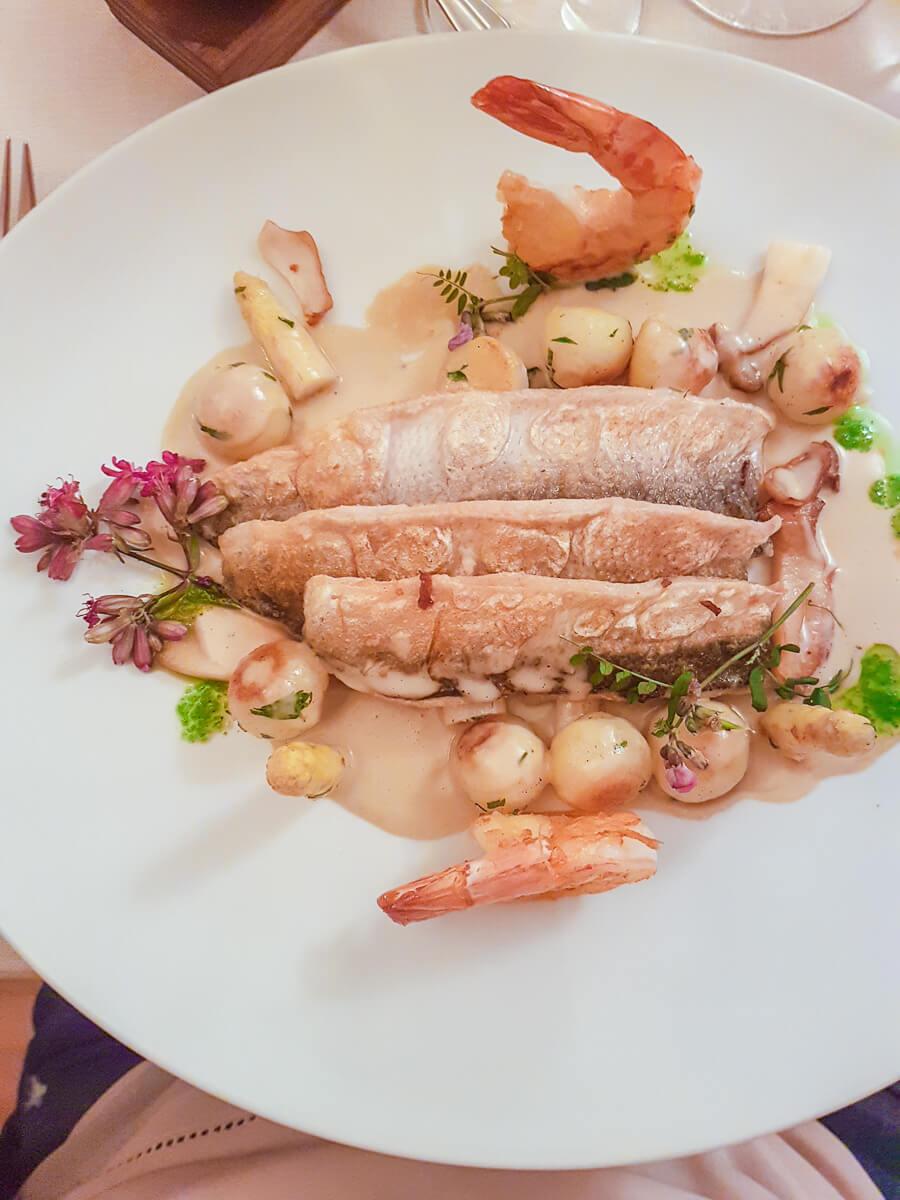 Frischen Bodenseefisch essen im Thurgau: Schloss Wartegg