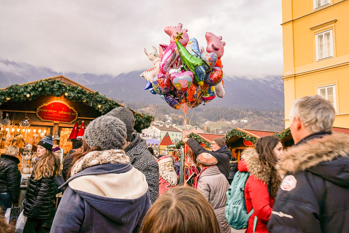 Familien Kinder Christkindlmarkt Marktplatz Innsbruck