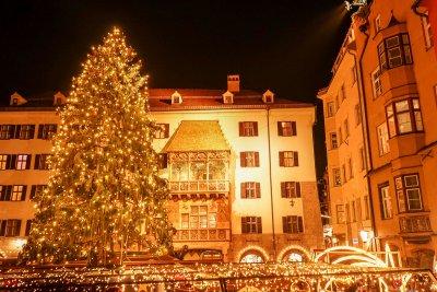 Goldenes Dachl Tannenbaum Altstadt Christkindlmarkt Innsbruck
