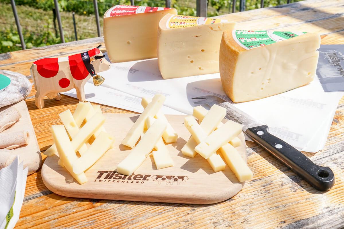 Schweizer Kaese probieren in Zuerich: Tilsiter