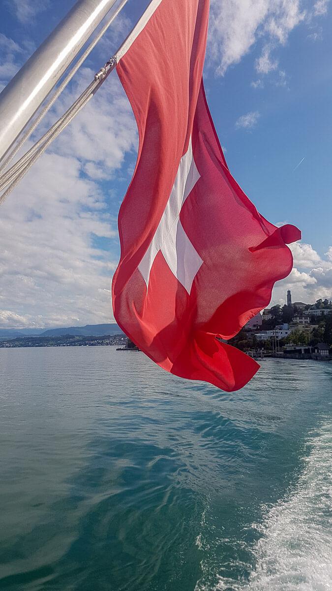 Schweizer Flagge vom Schiffsheck